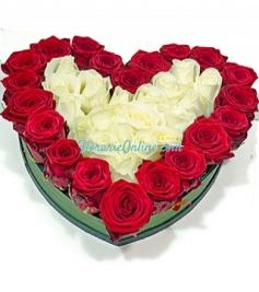 Inima trandafiri albi si rosii